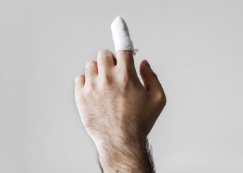 ruka, prst , poranění