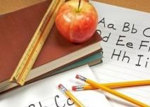 Škola,školní pomůcky,tužka, jablko,abeceda