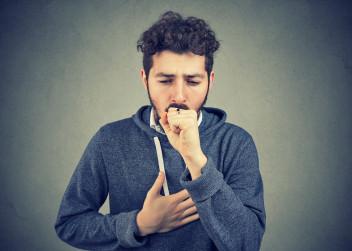 muž_dýchání_astma
