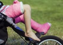 Zlomené nohy dítěte