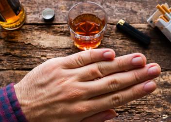 alkohol, cigarety