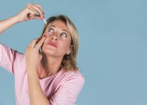 Aplikace očních kapek