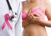 lékař žena v podprsence