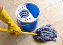 Úklid,hygiena, koště,podlaha,vytírání