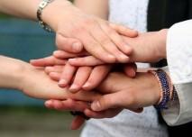 Ruce,přátelství,kamarád,pomoc