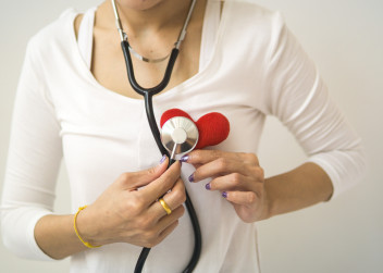 Srdec a stetoskop