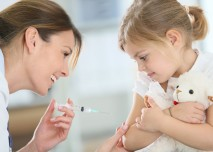 dítě s lékařem