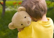 Chlapec s medvídkem