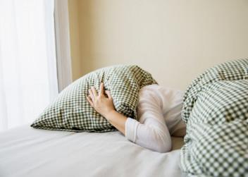 postel, polštář, spánek