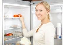 žena u lednice