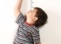 Měření výšky, vzrůst, chlapec