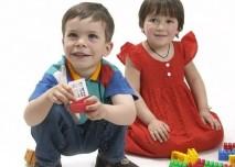 holčička, chlapeček, děti, hračky, dětství
