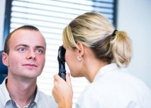 vyšetření_oka_oftalmoskop