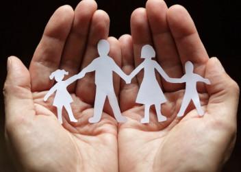 ruce_dlane_lidi_rodina