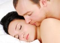 Mluvení ze spaní,žena,muž,postel,spánek,