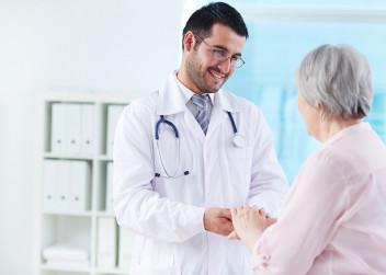 lekar_pacient_pomoc