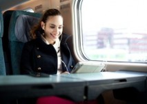 žena, cestuje, vlak,