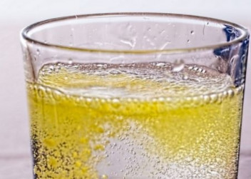 voda_napoj_piti_drink_sumivy_allegra