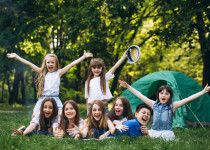 Noční pomočování dítěte: Jak si užít tábor bez strachu a studu