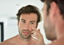 I muži se mohou zbavit vrásek – s pomocí dermálních výplní